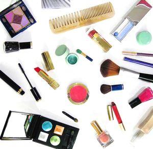 化粧品の医薬部外品と医薬品の違いって知ってますか?