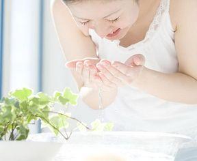 肌トラブルで悩む人の肌質改善には水洗顔